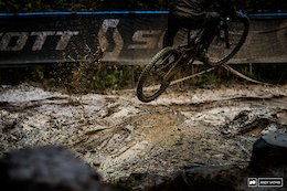 Pinkbike Poll: Would You Rather Race in the Mud or the Dry?