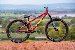 Bike Check Tom Isted's GT La Bomba