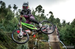 Practice Photo Epic: Off Camber Dancers - Lousa World Cup DH 2020