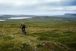 Video: Manon Carpenter & Friends Bikepack to the Highest Point in Finland Near the Arctic Circle