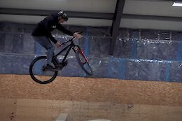 Video: How To Barspin with Max Fredriksson