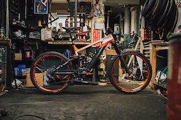 Bike Check: Rob Warner's Quotable, Repsol Honda Inspired E-Sommet