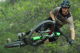 Video: Seagrave, Brosnan, Lemoine & More Shred the New Canyon Spectral