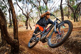 Video: Connor Fearon Rips Dusty Trails on his Enduro Bike