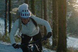 Video: Kathi Kuypers Delivers Christmas Treats on her eMTB