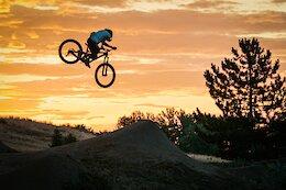 Video: Dirt Jumping a Dentist Bike with Christian Peper
