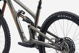 Alchemy's New Arktos Combines 3 Travel Configurations & 2 Wheel Sizes in 1 Frame