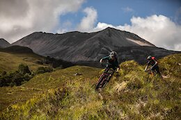Video: Tracy Moseley & Manon Carpenter Explore Scottish Highland Trails in 'Back to Why'