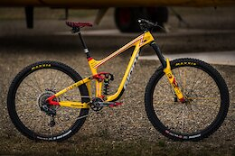 Reece Wallace's Custom Search & Rescue Inspired Giant Reign 29