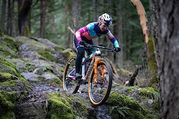 Video: Team Camp with Canyon MTB Racing's Emily Batty & Laurie Arsenault