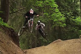 Video: Dry & Dusty Summer Party Laps in  Châtel