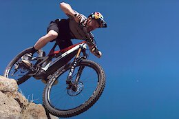 Video: Aaron Gwin Has a New Sponsor for... Chamois?