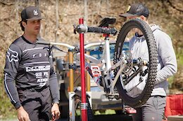 Video: Neko Mulally Tests if a Lighter Bike is Faster for Racing