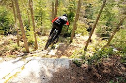 Video: Yoann Barelli & Remy Metailler Attempt to Ride a Gnarly Tech Drop