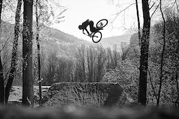 Video: Smooth Style on the Dirt Jumper