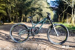 Bike Check: Jack Reading's Carbon-Free Commencal Supreme World Cup DH Bike