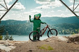 Video: Hitting 'Brutus' on the North Shore in a Gumby Suit
