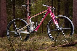 Bike Check: Thomas Wickles' 'Project Unicorn' Ghost Lector SF