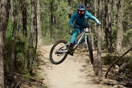 Video: Marine Cabirou Shows Off Her Speed & Style on Dusty Trails