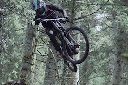 Video: Rapid DH Bike Shredding on Slippery Trails