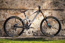 First Look: 2022 Mondraker Summum Carbon Comes with Integrated Telemetry