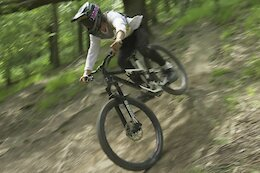 Video: Ripping Downhill Turns in Welsh... Dust?