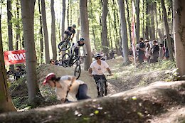 Video: Sam Reynolds, Tracey Hannah & More Session Trails in 'Vienna Trail Brunch'