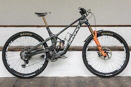 Bike Check: Keegan Wright's High Pivot Devinci Prototype