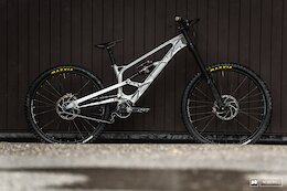 First Look & Interview: Gamux CNC Gearbox Bike At Les Gets