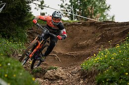 Video: End of Stage Interviews at EWS Val di Fassa with Jesse Melamed, Remi Gauvin & Miranda Miller