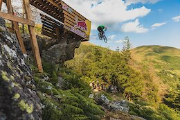 Video: Interviews, Course Walk & First Massive Hits at Red Bull Hardline 2021