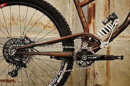 Bike Check: The Zoceli Dobordelu is a Steel Bike with a Sliding Shock