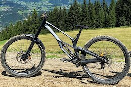 Spotted: Prototype Antidote Darkmatter 29er Downhill Bike
