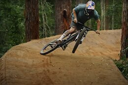 Video: Remy Morton Shreds a Chainless Dreamline Through the Australian Jungle in his Raw 100