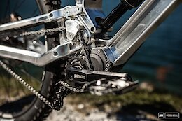 Gamux Reveal Updated Prototype Machined Gearbox DH Bike