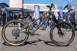 Bike Check: Insanityofgravity's Titanium, Ultra High Pivot Freeride Bike