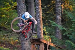 Video: Josh Woodward Rips Hood River Trails