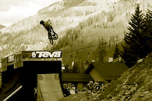 On the road with Mike Reid and Ross Measures - Teva Mountain Games