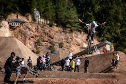 Video: The 'Queens of Gnar' at Audi Nines