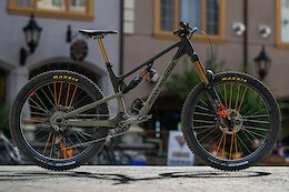 Bike Check: Vaea Verbeeck's Rocky Mountain Altitude at Crankworx BC 2021