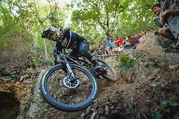 Video: Sam Hill & Team Chain Reaction Cycles at EWS in Finale Ligure 2021
