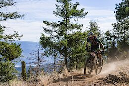 Race Report: Geoff Kabush & Laurie Arseneault Go Fastest Day 2 of the 2021 BC Bike Race