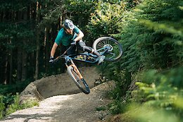 Video: Wyn Masters & Chris Akrigg Unleashed on UK Trails