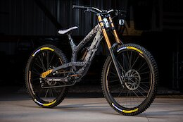 """Bike Check: Ethan Nell's Custom Rampage 27.5""""/26"""" YT Tues"""