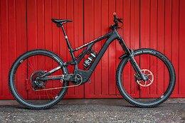 Bike Check: Comparing Claudio Caluori & Nino Schurter's 'Neverresting' eMTBs