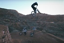 Video: First Practice Hits at Red Bull Rampage 2021