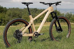 Atelier Suji Releases a 'Hardcore' Version of its Wooden Hardtail