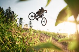 Video: Flat Out Shredding on French Trails