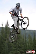 Mike Kinrade Signs With Devinci