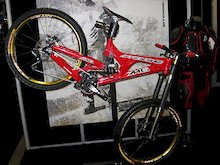 Interbike 2008 - Last of the indoor pics and vids - The Lost Interbike Files!